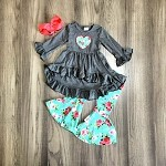 Turquoise and Gray Floral Heart Set